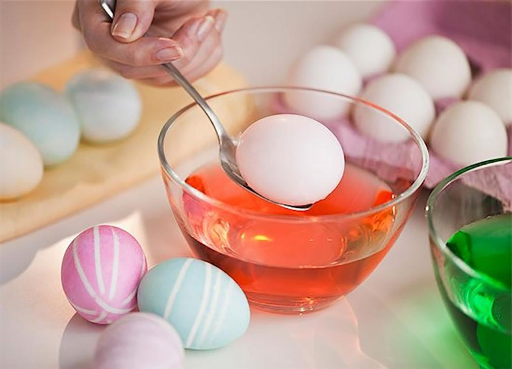 Eggs 101 - How To Decorate An Easter Egg » Eggs.ca