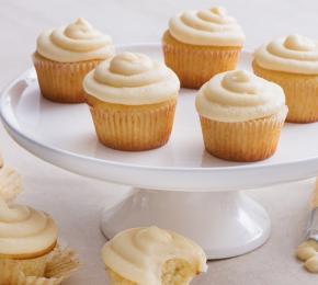 Classic Vanilla Cupcakes CMS