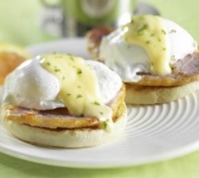 Recipes - Poached Eggs » Eggs.ca