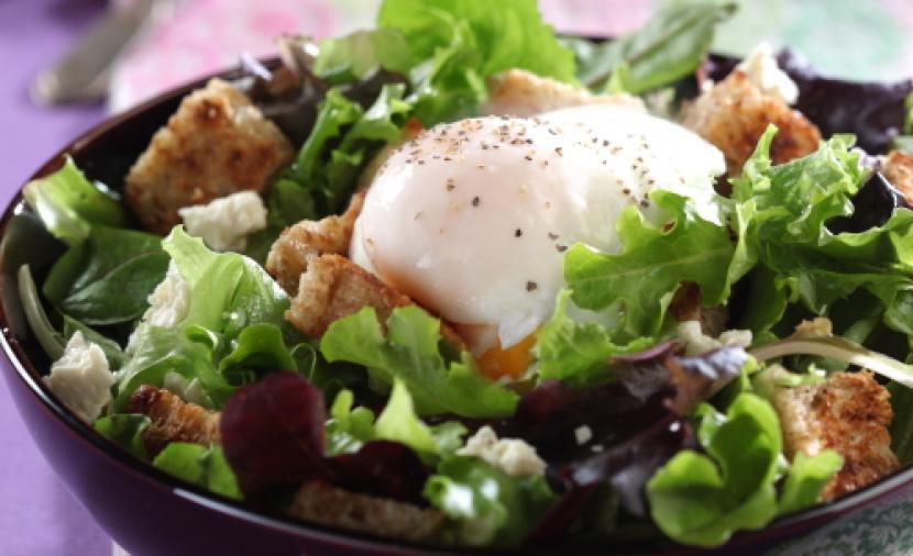 Recipes - Poached Egg Salad » Eggs.ca