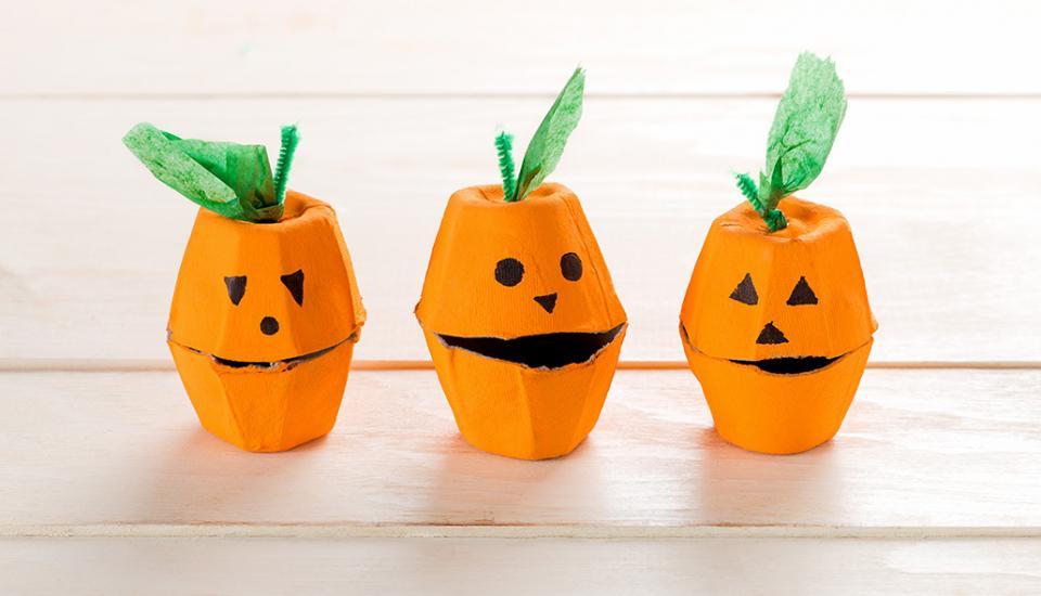 egg carton pumpkin