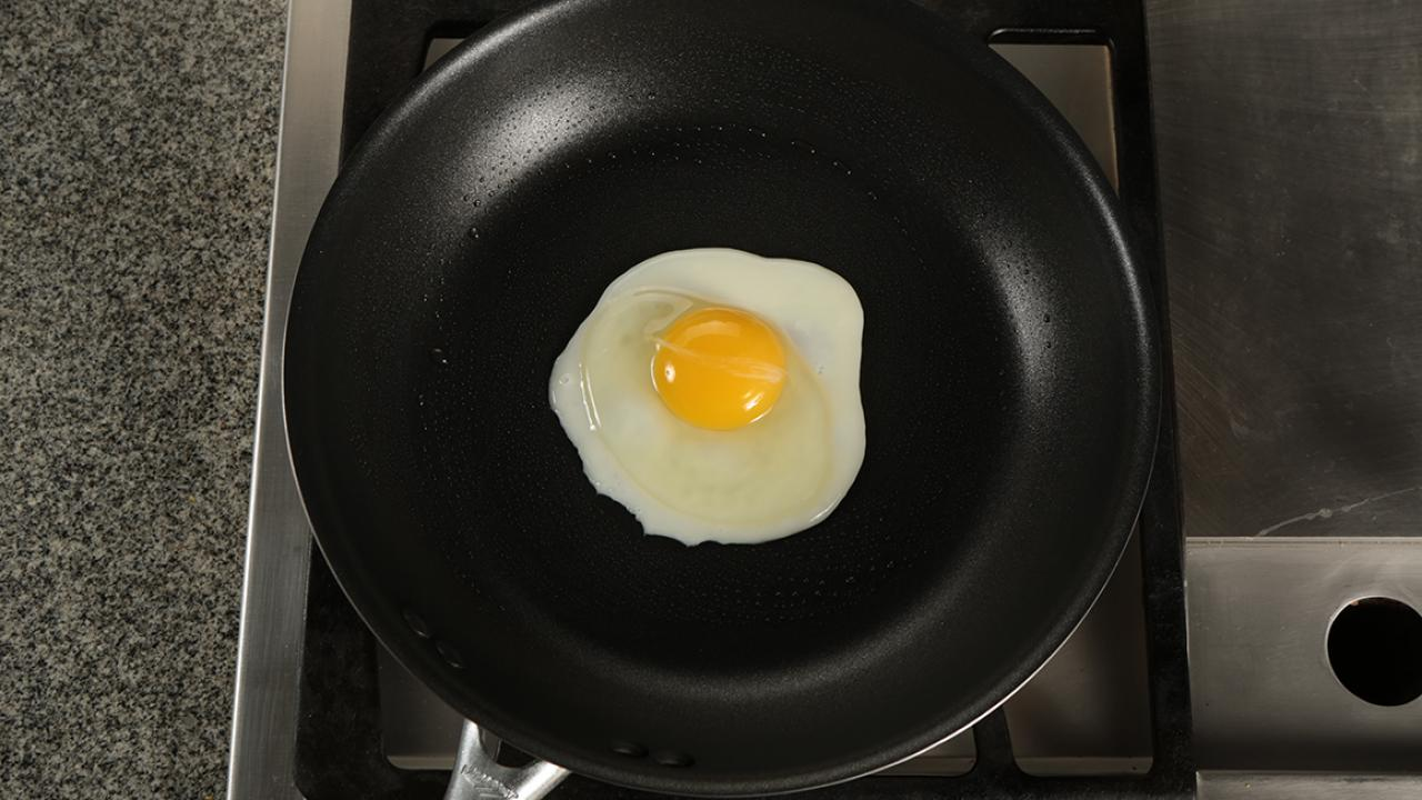 How to make over medium eggs without flipping