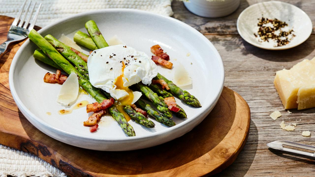 Poached Egg asparagus and bacon vinaigrette