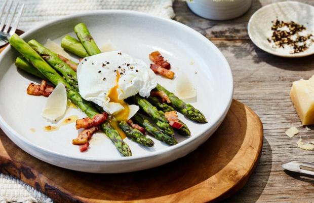 Poached Egg asparagus and bacon vinaigrette