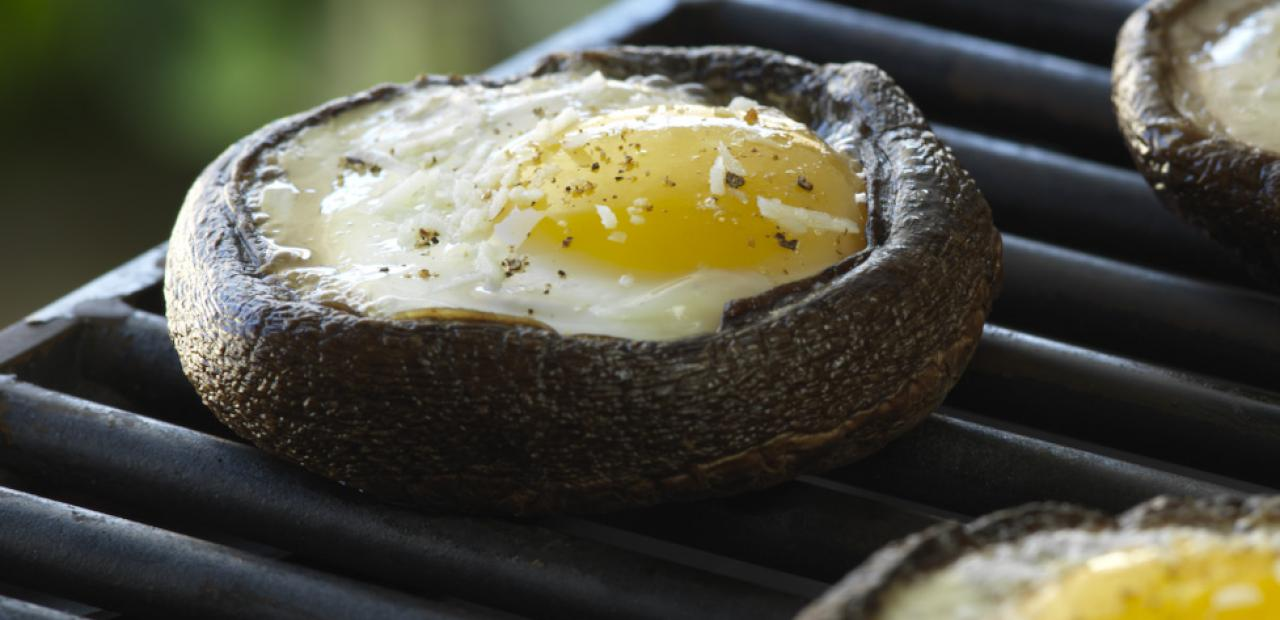 Grilled Eggs in Portobello Mushrooms | Eggs.ca