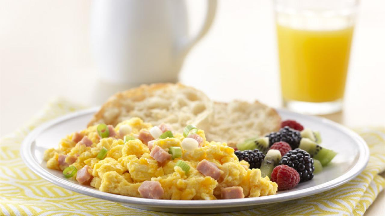 Perfect Scrambled Eggs with Cheese