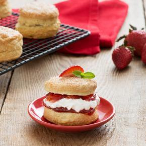 Canada Day Strawberry Shortcakes 014