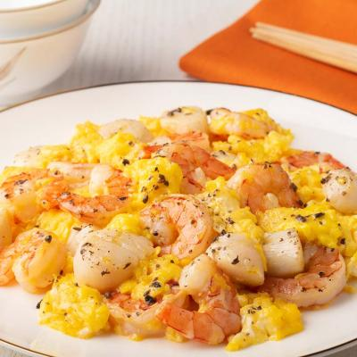Scrambled Eggs with Truffle Scallops and Shrimps