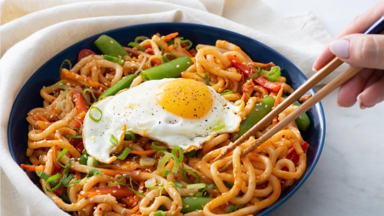 crack egg in ramen noodles